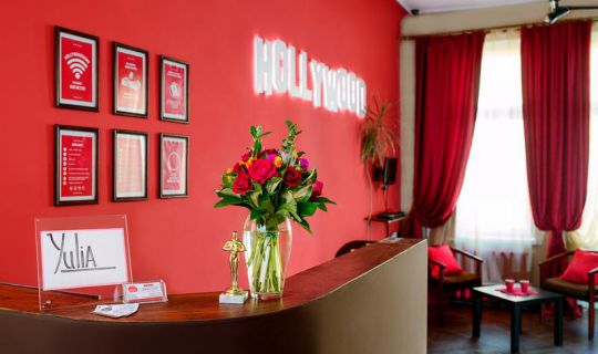 Hollywood Home Hostel Lviv
